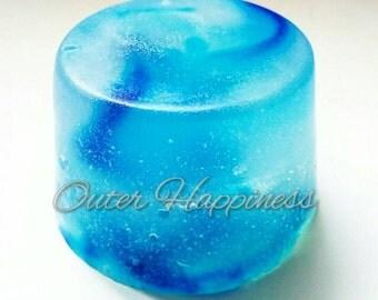 Soap with gemstone inside, blue raspberry soap, organic blue soap,soap with agate, agate soap, crystal inside soap, vegan soap, blue agate,