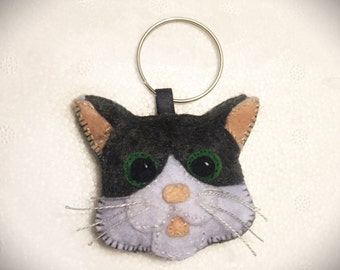 Felt cat keychain