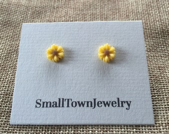 Yellow or White Daisy Earrings