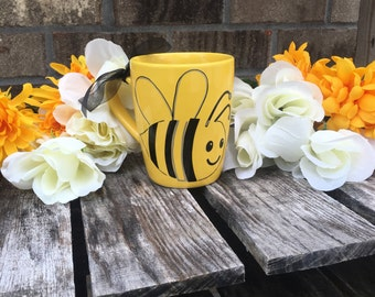 You are the bees knees yellow coffee/tea/hot chocolate mug. Perfect gift for any occasion. Teacher gift | friend gift| boyfriend gift