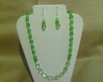 225 Vintage Style Large Spray Painted Clear Glass and Round Green Crackle Glass Beaded Necklace