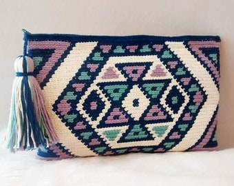 Tote bag in crochet style wayuu, clutch of cotton.