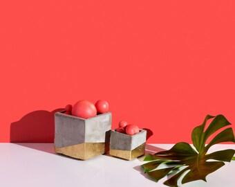 Cubic concrete vase