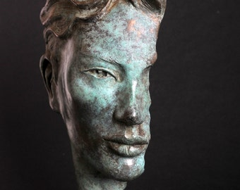 Bronze sculpture 'Challenge'