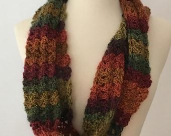 Muticolor crocheted cowl/scarf/caplet