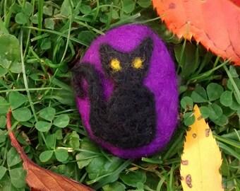 Halloween felt cat pebble