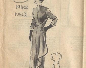 1940s WW2 Vintage Sewing Pattern B38 DRESS (1356)  MARIAN MARTIN  9429