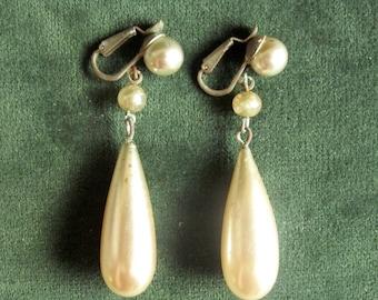 1940's/1950's faux pearl drop earrings