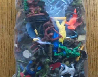 Vintage Plastic Cowboys Indians Soldiers Etc.1950-60 Era Over 3 lbs of them