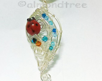 Sale Red ladybug wire wrapped pendant, wire work lampwork ladybird id1370315, gift for her