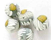 Daisy Beads,Polymer Beads, Flower Beads, Clay Beads, Artisan Beads, Polymer Flowers, Clay Flower Beads, Polymer Clay Beads