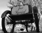 Shabby Chic JUST MARRIED SIGN, Vintage Inspired Wedding Decor, Getaway Car Sign, Shabby Chic Wedding Sign, Rustic Wedding Sign, Photo Prop