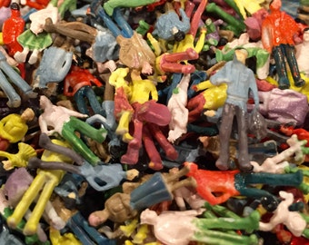 10pcs MIDGET MODELS Wee Persons of Plastic Miniature