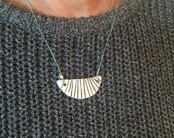 Moon stripe necklace