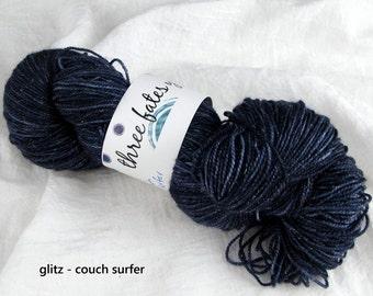 couch surfer- glitz