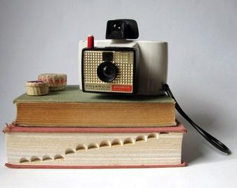 Vintage - Polaroid Swinger 20 - Land Camera - 1960's - Mid Century - Photography