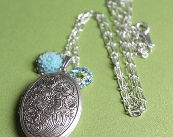 Oval Locket - Silver - Flowers - Swarovski Crystal