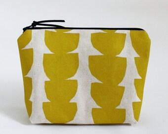 ARC - Basic Zipper Bag in Yellow