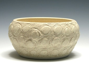 Carved Circle Bowl with Matte Cream Glaze