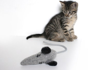 Cat Toy / Grey Mouse / Wool