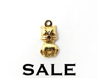 Tiny Vintage Gold Plated Kitty Charms (40X) (V146) SALE - 50% off