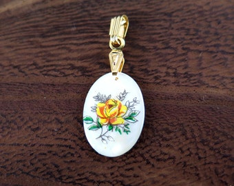 Vintage Gold Plated Mother Of Pearl Oval Charms with Yellow Rose Decal (2X) (NS514)