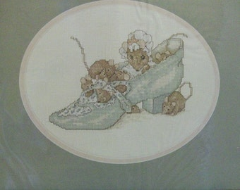 Beatrix Potter NIP Counted Cross Stitch Kit | Old Woman In Shoe Mouse