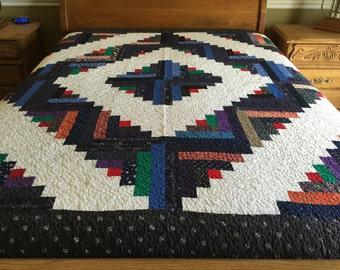 King size Machine pieced and quilted log Cabin Quilt