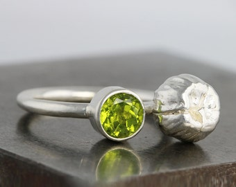 Peridot Anemone Ring - Green Stone Ring - August Birthstone - Organic Flower Twig Ring - Art Jewelry Ring - Statement Ring - READY TO SHIP