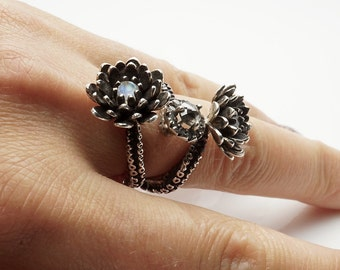 Delicate tentacle 2 flower ring, silver platinum and diamond ring adjustable size by zulasurfing