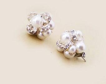 Cluster Stud Earrings, Bridal Stud Earrings, Wedding Earrings Stud, Bridal Jewelry Pearl, Crystal Pearl Earrings Vintage, Wedding Jewelry