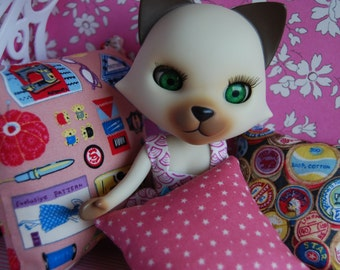 Blythe cushion set, sewing themed