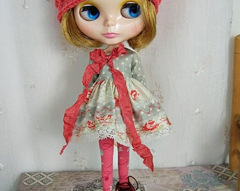 Blythe Doll Dress,  Blythe Dress. Long Sleeves, Flowers n Dots