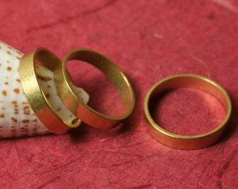 Solid brass band ring, one piece (item ID FA00096)