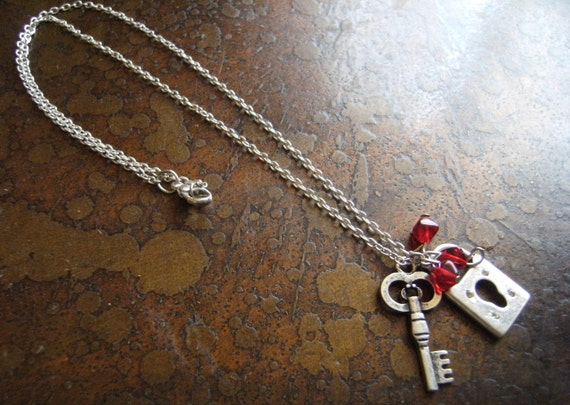 Key to One's Heart Czech Glass Silver Plated Chain necklace