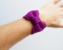 Felt bow cuff, felt bow bracelet, felt bangle, tight bracelet, boho jewelry, snap bracelet, felt jewellery
