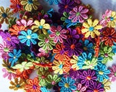 SALE bright flower trim 1inch flowers 1 metre