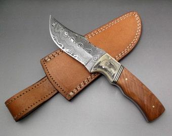 Scrimshaw Knife Fixed Blade Knife Damascus Blade Hunter Knife Brown Olive Wood Ox Bone Knife Nature Wildlife Bald Eagle Bird of Prey