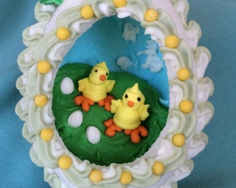 Handcrafted panorama sugar Easter egg featuing chicks
