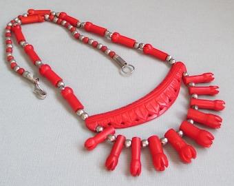 Vintage Red Bone Necklace, Bone Bib Necklace, Tulip Jewelry, Tribal Jewelry, Ethnic Jewelry, Boho Chic Jewelry