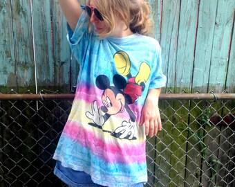 HANGIN WITH MICKEY / 90s tye dye shirt / xl 90s shirt / plus size mickey shirt / unisex / men's or women's / men's large / women's xl /
