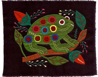 CUTENESS!! Fun and Fanciful Spotted Tree Frog Mola - Hand Sewn Kuna Indian Applique
