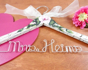 Bride Hanger Crackled - Wedding Dress Hanger - Bride Hanger - Shabby Chic Ivory - Hand Painted - Wedding Photo Prop - Bride Gift - Hangers