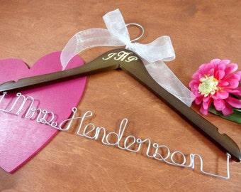 Engraved Hangers -  Name Hanger - Wedding Dress Hanger - Hanger Wedding - Gift for bride- Engraved Wedding - Dress Hangers - Shower Gift