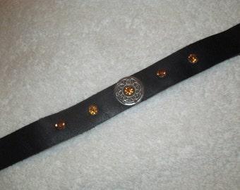 Black Leather Choker / 5 Amber Gems / Celtic Center (Custom sized)