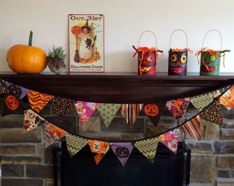 Halloween garland- large pennants, 10 ft.