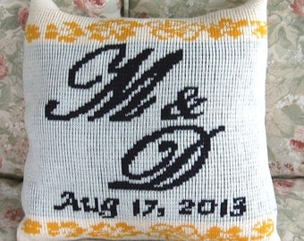 Personalized knit pillow