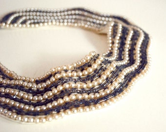 Vintage Beaded Collar, 1950s Faux Pearl Choker, Peter Pan Collar, Pearl Necklace, Mid Century Accessories, Gray Bugle Beads, Wedding Jewelry