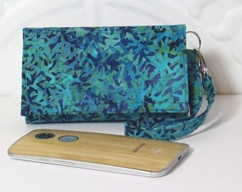 Cell Phone Wristlet Wallet iPhone Wristlet With Card Holder / iPhone 5/6/6 Plus / Moto X / NEW STYLE TECH / Asian Mist in Turquoise Batik