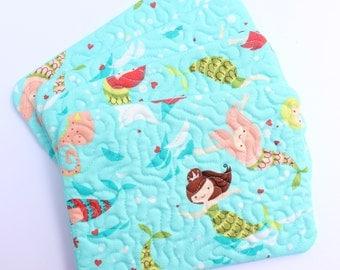 Mug rug quilted snack mat set of 4 in aqua mermaid fabric, mini placemat, coaster